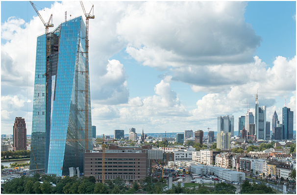 glazing-the-tallest-tower-in-europe